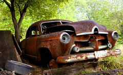 1951 Henry J (SandyJo Kelly.) Tags: cars abandoned broken vintage j rust automobile texas parts rusty henry junkyard 1951 fixerupper kaiserfrazer usedparts top20abandonedautos