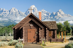 House of Worship (Robby Edwards) Tags: vacation mountains building church nationalpark chapel wyoming grandteton episcopalchurch grandtetonnationalpark houseofworship chapelofthetransfiguration logcabinchapel