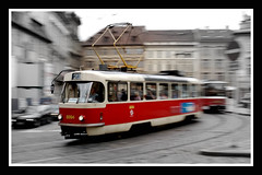 Tranva (Payuta Louro) Tags: city trip travel red vacation photo prague praga czechrepublic tramway louro repblicacheca tramvia abigfave ltytr2 ltytr1
