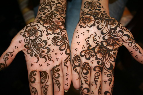 265110123 c20dc878ce?v0 - Beautiful mehndi desings