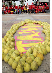 bless Taiwan (!) (*dans) Tags: rally protest taiwan 2006 taipei  anticorruption dansphoto  depose deposechen anticorruptionanddeposechen   onemillionpeopleagainstcorruption 20061010      universalsiege