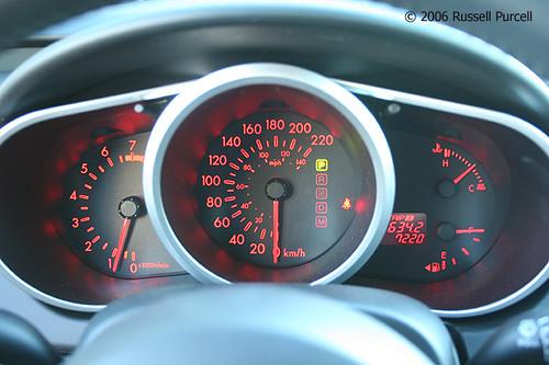 Новая Mazda CX-7 (панель приборов)