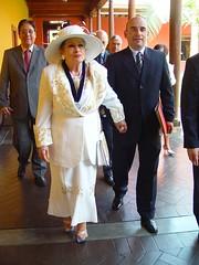 Yma Sumac condecorada en la Universidad San Marcos