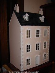 Aurora's home. Auroran talo (Anna Amnell) Tags: chimneys dollhouse dollshouse nukkekoti nukketalo savupiiput